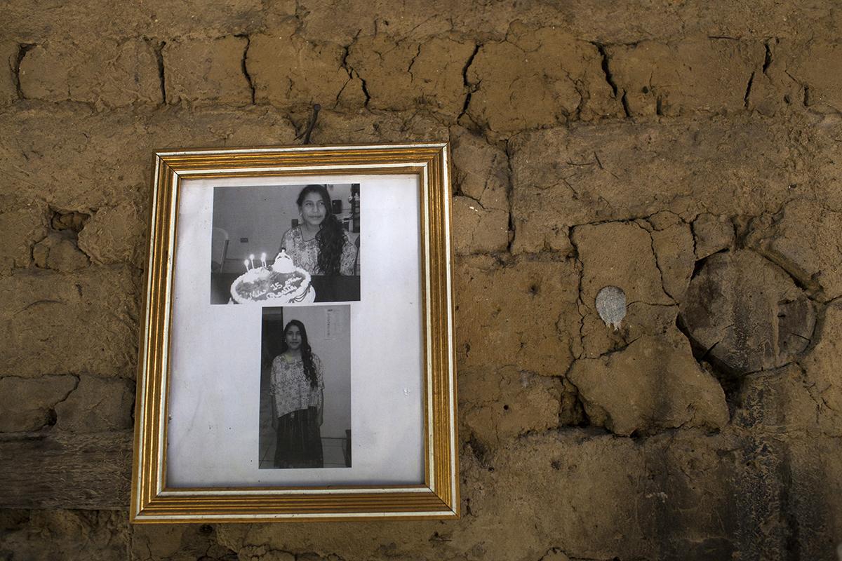 Rosa  durante  su  cumpleaños  número 15 celebrado  en la casa hogar para menores de Cobán.