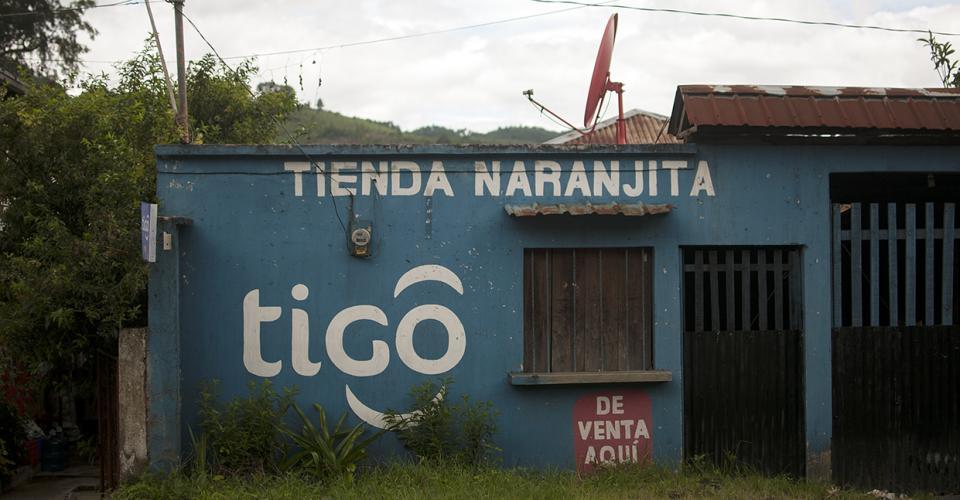 Una vez más, en este recuento Tigo aparece como la gran favorecida. Comunicaciones Celulares S.A. (Comcel), el aliado local de Tigo adquirido en 2005.